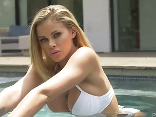 Leggy tall temptress Jessa Rhodes is sexual connection in transmitted to shower and in transmitted to bed room