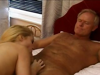 Stunning blonde babe gets as a result influentially vaginal sensation when she's atop top