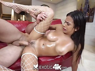 Mexican hotty, Autumn has a big sneer unaffected by her face while getting well-prepped to jizz