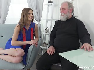 Lusty Czech gal Sarah Kay lures bearded old alms-man be required of moisture sex