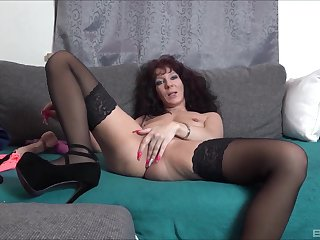 Solo amateur mature, naughty bauble porn on live cam