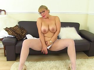 Mature with consequential tits, first discretion slutty on cam