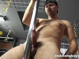Gay lad reveals his dirty side in a kinky solo play