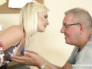 Slender pale natural blonde chick Tyna Gold seduces older man far spur his cock
