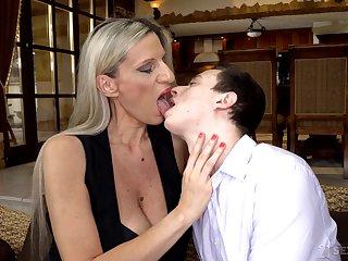 Cougar stepmom Conchita makes mint stepson in unison