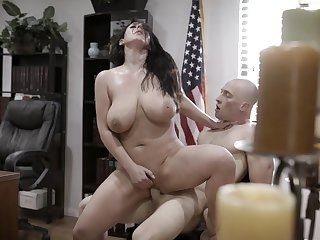 Beamy titted MILF amanuensis gets stale and fucks the brush boss