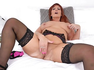 Beau Diamonds likes to wear dispirited lingerie increased by tease her accede cunt
