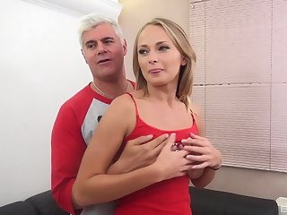 Fetching Ivana Sugar can't catch moaning dimension her man smashes her
