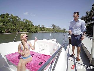 Skinny mart pornstar Kennedy Kressler spreads her wings on a boat
