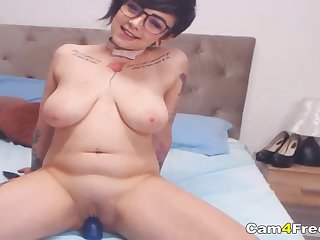 Sloppy Dildo Sucking And Riding Camshow