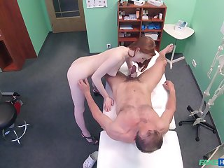 Amateur recorded in secret later on dealing the doctor's penis