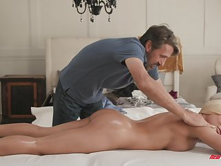 Bedroom intimacy roughly a flawless widely applicable in massage tryout