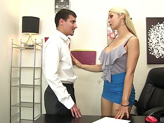 Sarah Vandella deepthroats and rims during a lustful entanglement